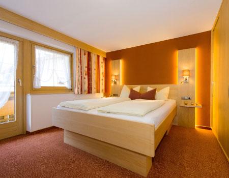 zimmer mit fr hst ck im g stehaus wanker ferienwohnung und pension ehrwald. Black Bedroom Furniture Sets. Home Design Ideas